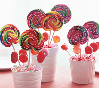 Birthday decoration ideas - Candy centrepieces